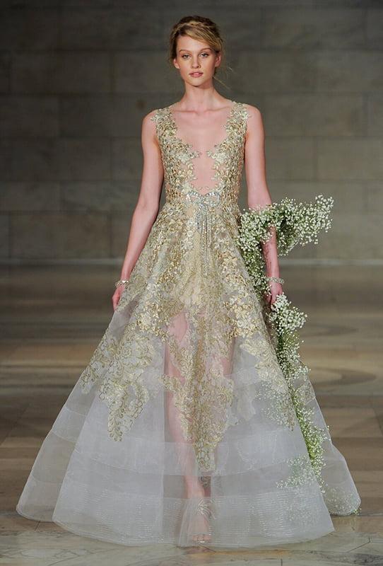 Unusual Wedding Dress - Lightweight Couture (Reem Acra – Gold Plated)