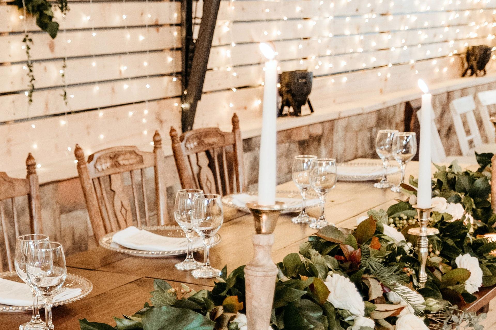 5 Minimalist Wedding Décor Ideas: country style wedding