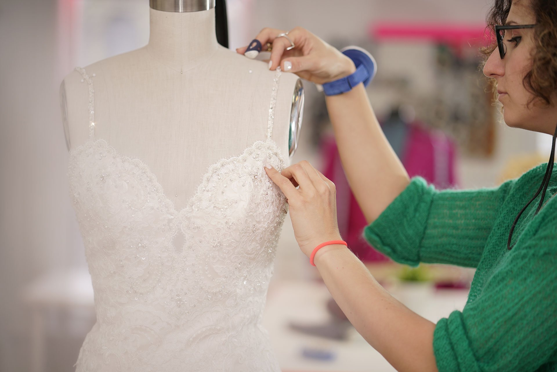 How Long Do Alterations To a Wedding Dress Take?