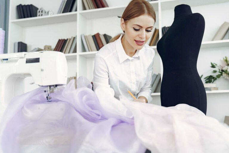how long does tailoring a dress take